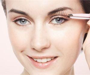 15 Hacks, Tips and Tricks On How To Apply False Lashes Like a Pro - fashionsy.com