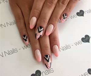 19 Spring Nail Art Ideas to Spruce Up Your Palms - fashionsy.com